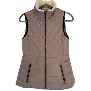 Calvin Klein performance Grey quilted puffer vest. Sherpa lined collar XS EUC